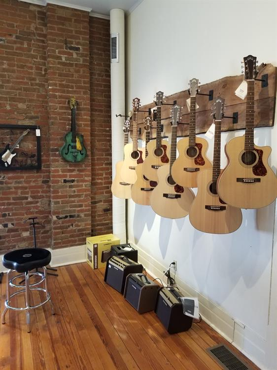 Muddy River Guitars 1